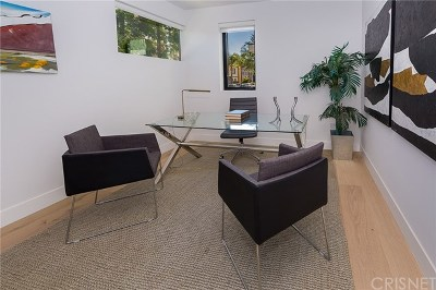 Hollywood Single Family Home For Sale: 735 N Gramercy