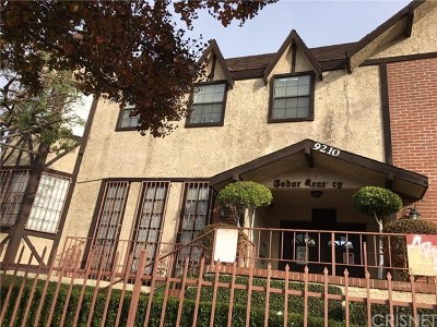 Panorama City Condo/Townhouse For Sale: 9210 Van Nuys Boulevard #1