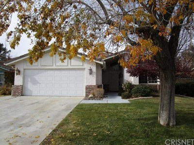 Lancaster CA Single Family Home For Sale: $319,900