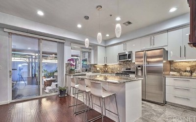 North Hills Single Family Home For Sale: 8619 Noble Avenue #1