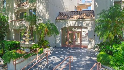 Sherman Oaks Condo/Townhouse For Sale: 4242 Stansbury Avenue #110