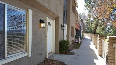 Saugus Condo/Townhouse For Sale: 26951 Avenida Terraza