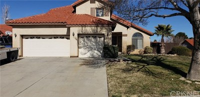 Lancaster CA Single Family Home For Sale: $320,000
