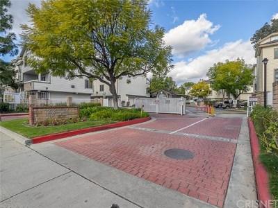 Pacoima Condo/Townhouse For Sale: 11150 Glenoaks Boulevard #115
