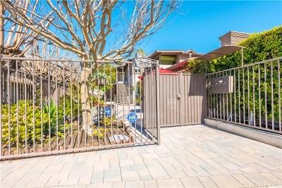 Sherman Oaks Multi Family Home For Sale: 14147 Moorpark Street