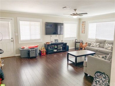 San Fernando Single Family Home For Sale: 10963 Laurel Canyon Boulevard
