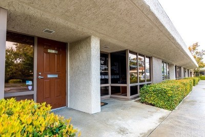 Ventura County Commercial For Sale: 484 Mobil Avenue #19 & 20