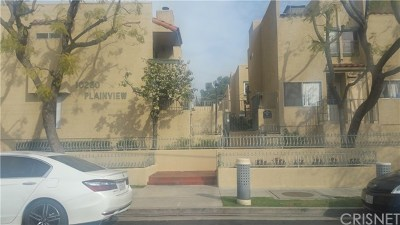 Tujunga Condo/Townhouse For Sale: 10260 Plainview Avenue #37