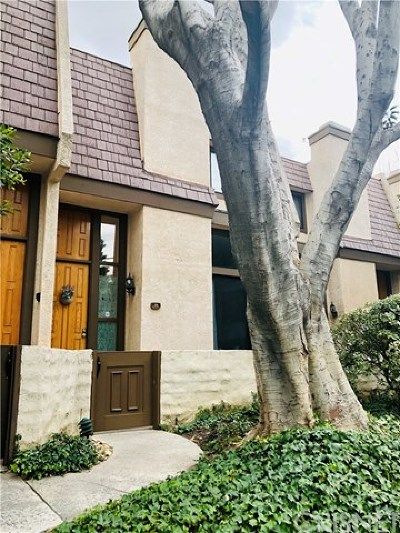 Northridge Condo/Townhouse For Sale: 9000 Vanalden Avenue #115