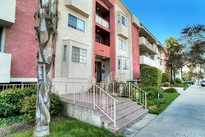 Sherman Oaks Condo/Townhouse For Sale: 4705 Kester Avenue #116