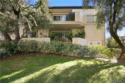 Valencia Condo/Townhouse For Sale: 24111 Del Monte Drive #9