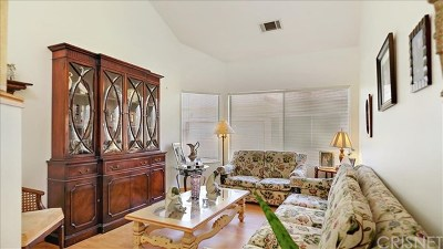 Sylmar Condo/Townhouse For Sale: 13421 Hubbard Street #128