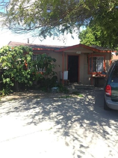 Compton Single Family Home For Sale: 2513 E 129th Street