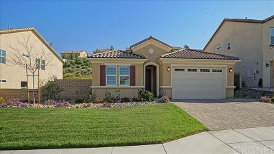 Saugus Single Family Home Active Under Contract: 19561 Griffith Drive
