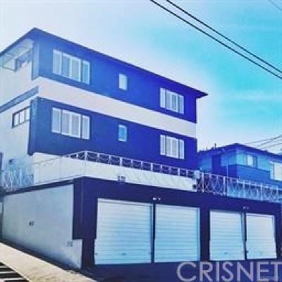 Inglewood Multi Family Home For Sale: 310 E Hyde Park Boulevard