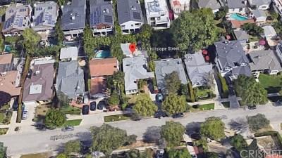 Studio City CA Single Family Home For Sale: $1,100,000