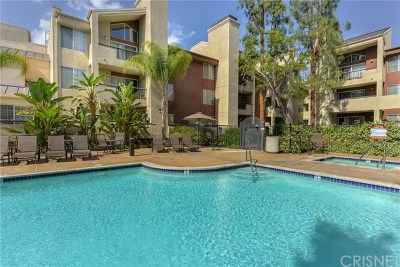Woodland Hills Condo/Townhouse For Sale: 5535 Canoga Avenue #135