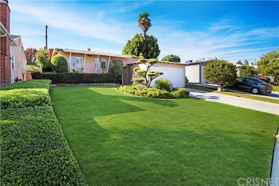 Los Angeles Single Family Home For Sale: 7941 Flight Place