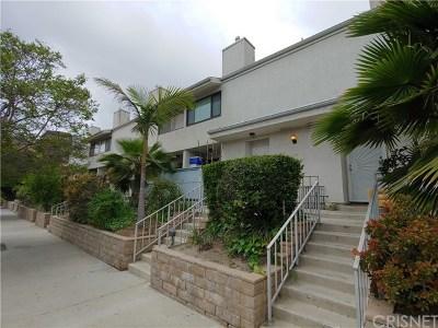 Van Nuys Condo/Townhouse For Sale: 7869 Ventura Canyon Avenue #203