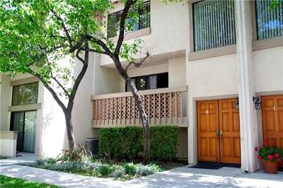 Calabasas Condo/Townhouse For Sale: 26108 Alizia Canyon Drive #B