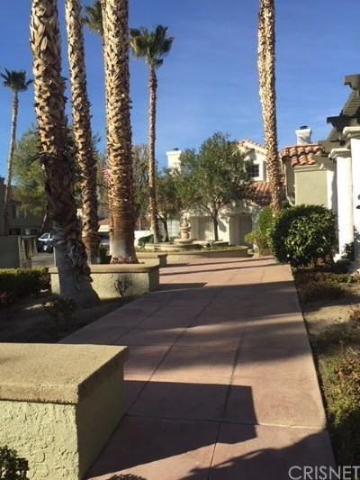 Los Angeles County Condo/Townhouse For Sale: 37940 42nd Street E #153