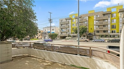 North Hollywood Condo/Townhouse For Sale: 6828 Laurel Canyon #101