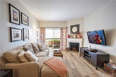 Van Nuys Condo/Townhouse For Sale: 14914 Hamlin Street #114