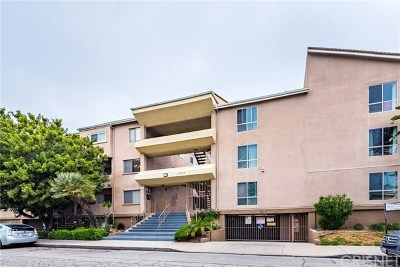 Toluca Lake Condo/Townhouse Active Under Contract: 10757 Hortense Street #409