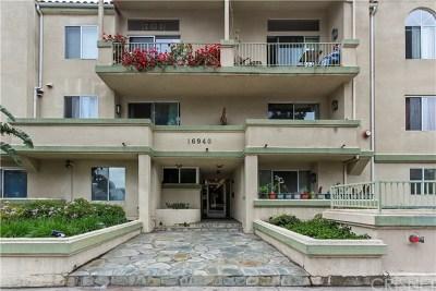 Granada Hills Condo/Townhouse For Sale: 16940 Chatsworth Street #309