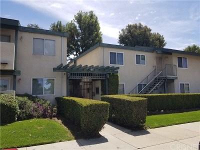 Granada Hills Condo/Townhouse For Sale: 10636 Woodley Avenue #24