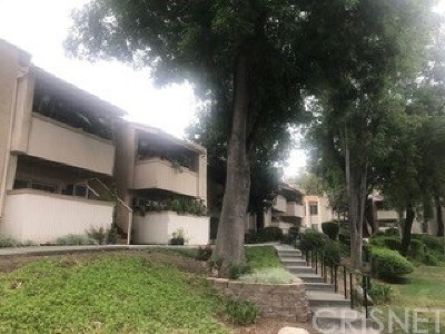 Agoura Hills Condo/Townhouse For Sale: 5800 Kanan Road #283