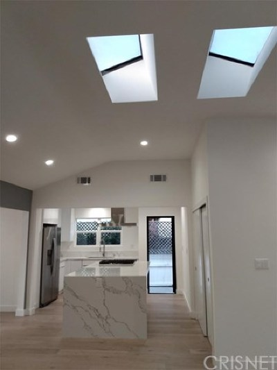 Sherman Oaks Single Family Home For Sale: 4221 Greenbush Avenue