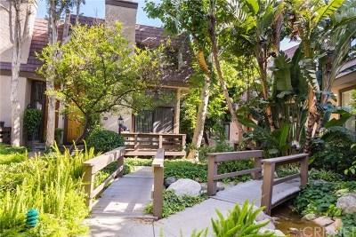 Northridge Condo/Townhouse For Sale: 9000 Vanalden Avenue #188