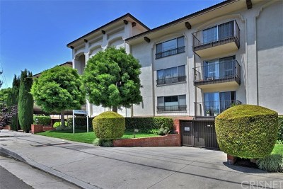 Studio City Condo/Townhouse For Sale: 12801 Moorpark Street #206