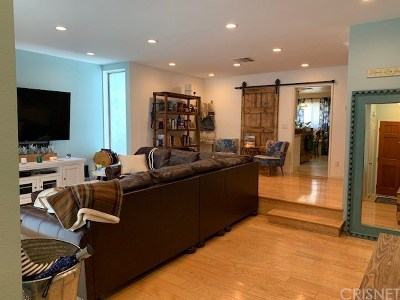 Studio City Condo/Townhouse For Sale: 11610 Moorpark Street #3