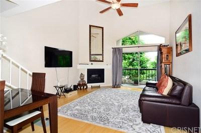 Woodland Hills Condo/Townhouse For Sale: 5535 Canoga Avenue #328