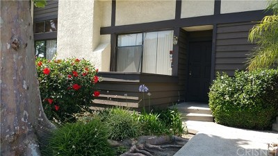 Reseda Condo/Townhouse For Sale: 19355 Sherman Way #6