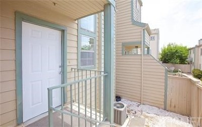 Sylmar Condo/Townhouse For Sale: 13550 Foothill Boulevard #2