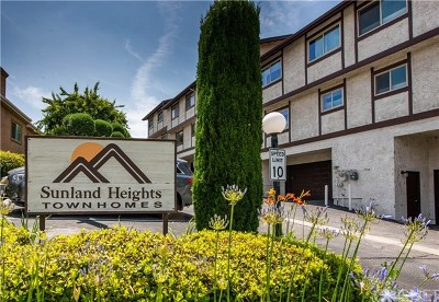 Sunland Condo/Townhouse For Sale: 10480 Sunland Boulevard #30