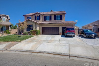 Lancaster CA Single Family Home For Sale: $380,000