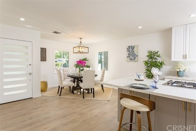 Valley Glen Single Family Home For Sale: 13566 Hamlin Street