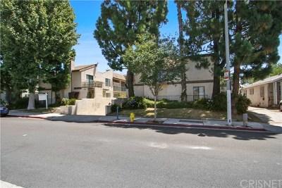 Inglewood Condo/Townhouse For Sale: 746 N Eucalyptus Avenue #20