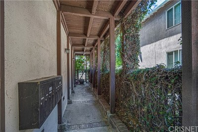 Sherman Oaks Condo/Townhouse For Sale: 15457 Moorpark Street #1