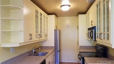 Condo/Townhouse For Sale: 5400 Newcastle Avenue #69
