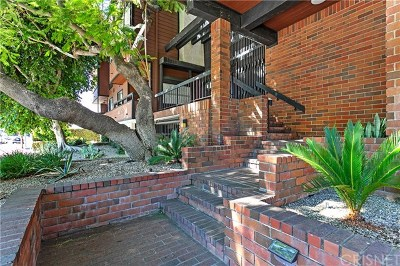 Studio City Condo/Townhouse For Sale: 4425 Whitsett Avenue #102