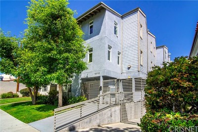 Toluca Lake Condo/Townhouse For Sale: 10735 Bloomfield Street #3