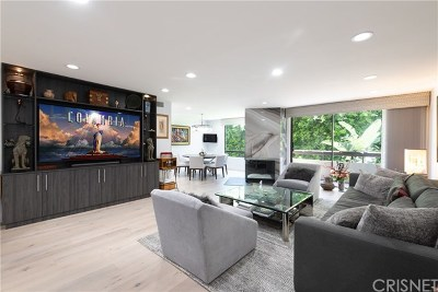 West Hollywood Condo/Townhouse For Sale: 851 N Kings Road #211
