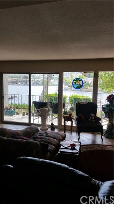 Canyon Lake Condo/Townhouse For Sale: 22274 Treasure Island Drive #1