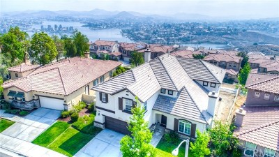 Lake Elsinore Single Family Home For Sale: 15 Plaza Valenza