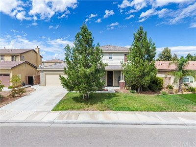 Menifee Single Family Home Active Under Contract: 29138 Black Meadow Court